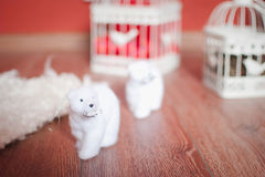 与白熊的圣诞节装饰 免版税库存图片