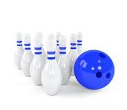 与白色九柱游戏用的小柱的保龄球 免版税库存图片