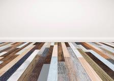 与白色墙壁,背景的内部空的空间的木地板 免版税库存图片