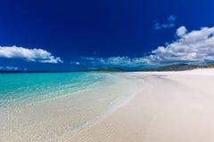 与白色沙子在Whitsunday海岛, Quee的Whitehaven海滩 库存照片