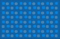 与白色Cirlce样式的黑滤网在蓝色背景 免版税库存照片