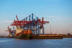 与的一只货船容器 免版税图库摄影