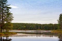 划皮船在阿尔根金族公园 免版税库存图片