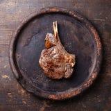 与盐和胡椒的Ribeye牛排 免版税库存图片