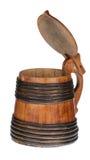 与盒盖的木大啤酒杯 免版税库存照片