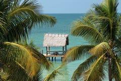 海洋礁石木板走道 免版税库存图片
