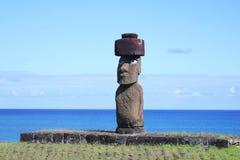 与眼睛的唯一的moai在复活节岛 免版税图库摄影