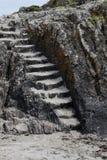 与石步的岩层 库存照片
