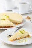 与石灰的乳酪蛋糕 免版税图库摄影