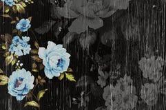 与破旧的别致的葡萄酒玫瑰的被剥皮的木纹理 免版税库存照片