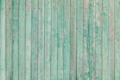 与破裂的油漆的老木板条 免版税库存图片