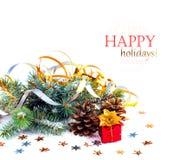 与礼物的圣诞树分支在红色箱子 免版税图库摄影