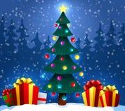 与礼物的圣诞树在雪在冬天森林圣诞节和新年背景中 也corel凹道例证向量 库存图片