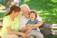 与祖父母的了不起的时间 免版税库存照片