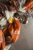 与种族纺织品的背景 免版税库存图片