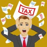 与税和票据纸呼喊的被注重的商人抓住他的头 皇族释放例证