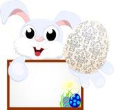 与空白符号的复活节兔子 免版税库存图片