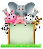 与空白符号的滑稽的动物 免版税库存照片