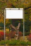 与空的广告牌的秋天横向 免版税库存图片