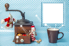 与空的照片框架的逗人喜爱的圣诞卡 免版税库存照片