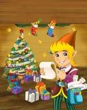 与站立近的圣诞树的圣诞节矮子的动画片场面 免版税库存照片
