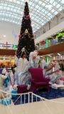 与童话字符的圣诞树 库存照片