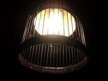 与竹子的黄灯 库存照片