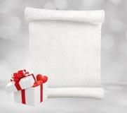 与礼物盒的情书 免版税库存图片