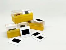 与箱子的老35mm幻灯片影片 库存照片