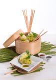与米袋子的圆白菜 免版税库存图片