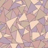 与紫罗兰色,玫瑰色和棕色三角的五颜六色的几何抽象无缝的样式 皇族释放例证