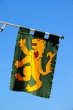 与繁茂狮子, Tewkesbury的中世纪旗子 库存照片