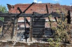 与红砖的火废墟 图库摄影
