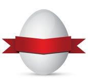 与红色丝带的空白复活节彩蛋 免版税库存图片