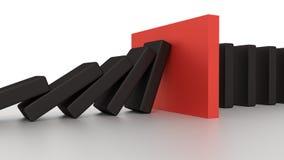 与红色中止片断的下跌的多米诺行在书桌上 免版税图库摄影