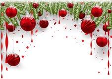 与红色中看不中用的物品和具球果分支的圣诞节背景 免版税库存图片