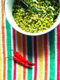 与红色冷颤的豆配菜 免版税图库摄影