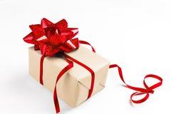 与红色弓的欢乐礼物与丝带的第八 库存图片