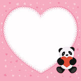 与红色心脏的熊猫。 免版税库存图片