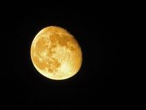 与红色月亮的夜空 免版税库存照片