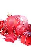 与红色球,响铃的圣诞节背景 免版税库存图片