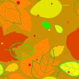 与红色的剪影和的等高的图象的样式,橙色,黄色,绿色,秋叶 免版税库存照片