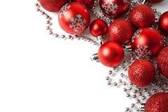与红色装饰品的圣诞节边界 免版税图库摄影