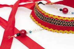 与红色,黑,白色和蓝色小珠的Kokoshnik 免版税库存图片