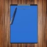 与纸和笔,企业概念的文件夹 免版税图库摄影