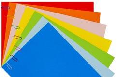 与纸夹02的彩虹文具 免版税图库摄影