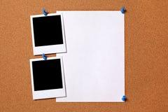 与纸海报的空白的照片 免版税库存图片
