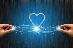 与线心脏的光纤连接 概念亲吻妇女的爱人 免版税库存图片