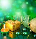 与绿色球的新年度的看板卡 免版税图库摄影