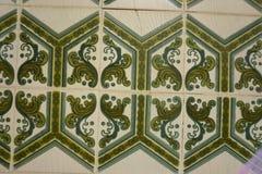 与绿色花饰的Azulejos 图库摄影